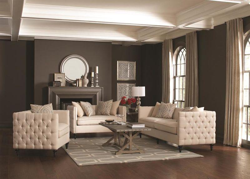 Claxton Tuxedo Living Room Set