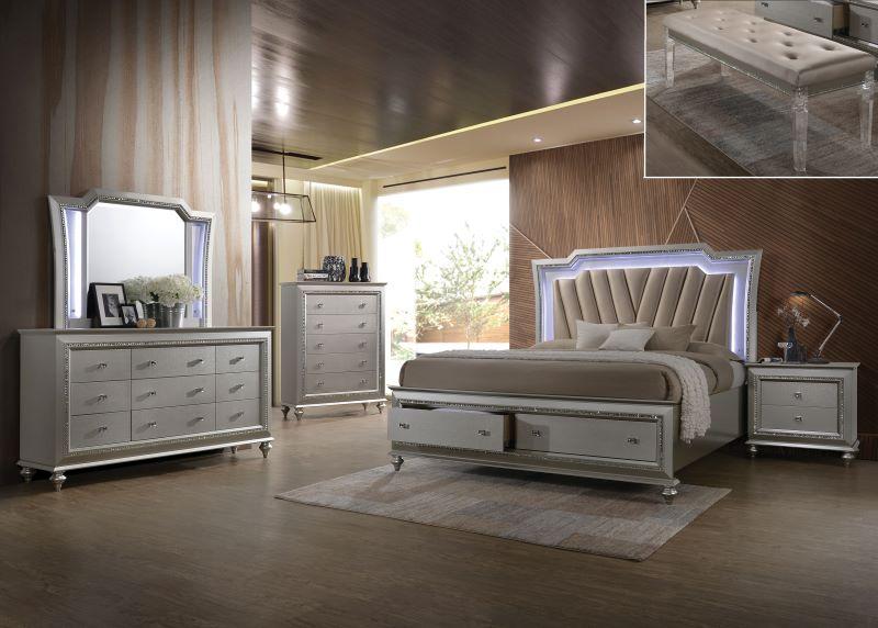 Kaitlyn Bedroom Set in Champagne