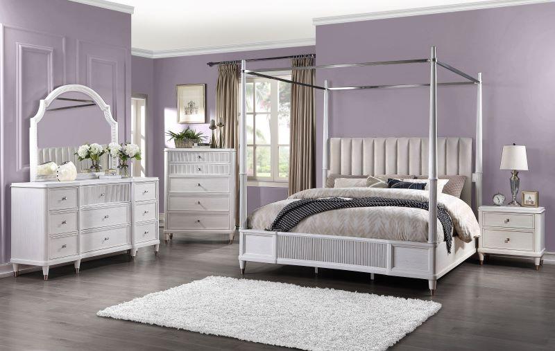 Celestia Canopy Bedroom Set in Off White