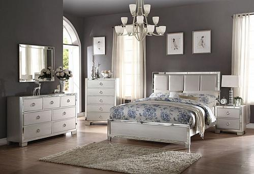 Voeville II Bedroom Set with Upholstered Headboard in Platinum