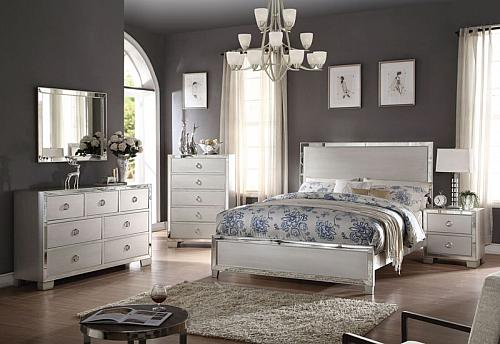 Voeville II Bedroom Set in Platinum