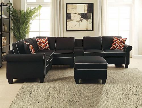 Kelliava Sectional Sofa with Ottoman in Black