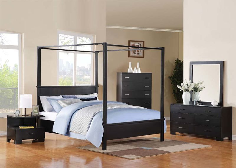 London Bedroom Set with Canopy Bed