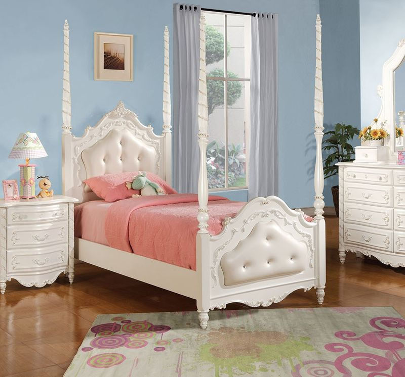 Pearl Youth Bedroom Set with Post Bed