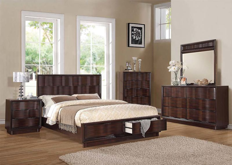 Travell Bedroom Set with Storage Bed