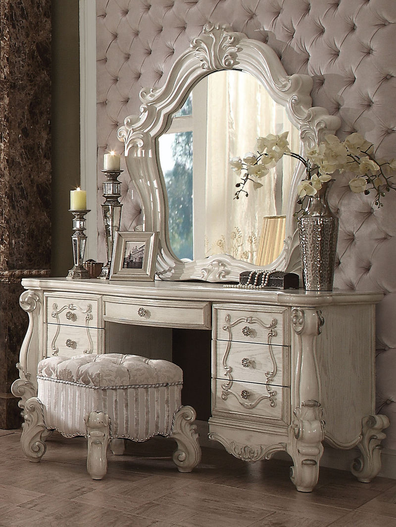Versailles Vanity Desk in White