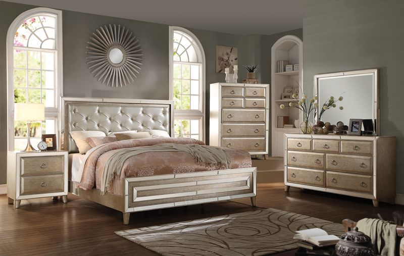 Voeville Bedroom Set in Antique Gold