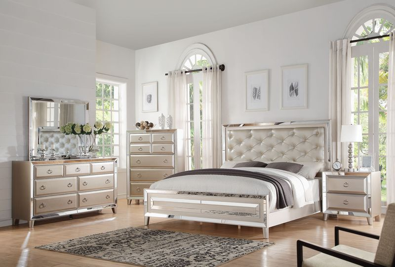 Voeville Bedroom Set in Platinum