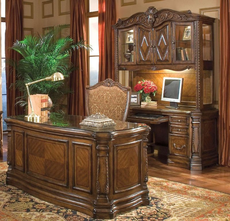 Windsor Court Computer Desk with Hutch