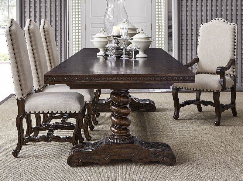 Castilian Dining Room Set