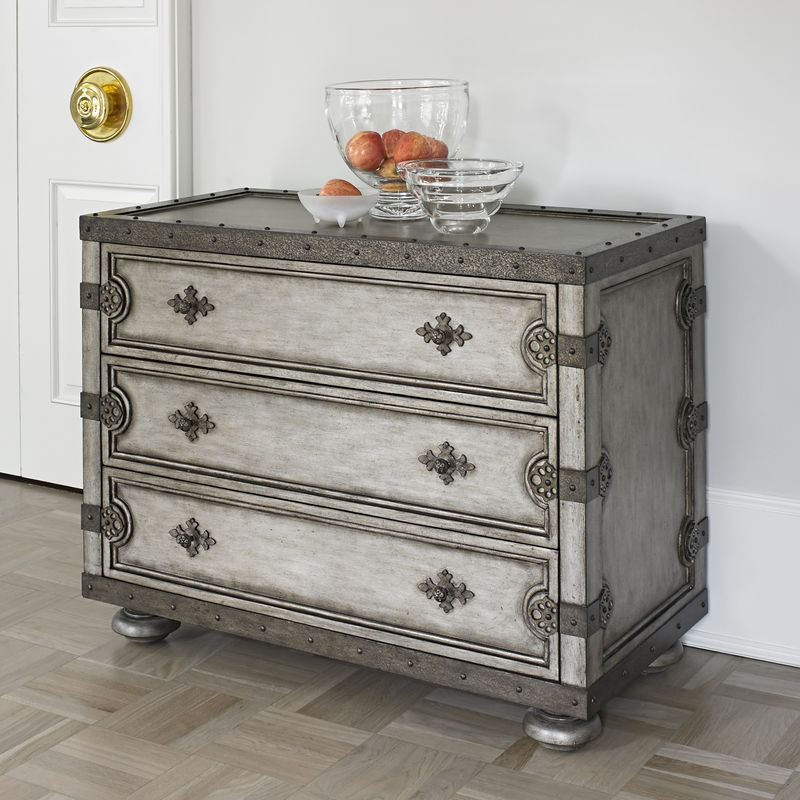 Steamer Accent Chest