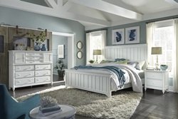 Retreat Farmhouse Bedroom Set in White
