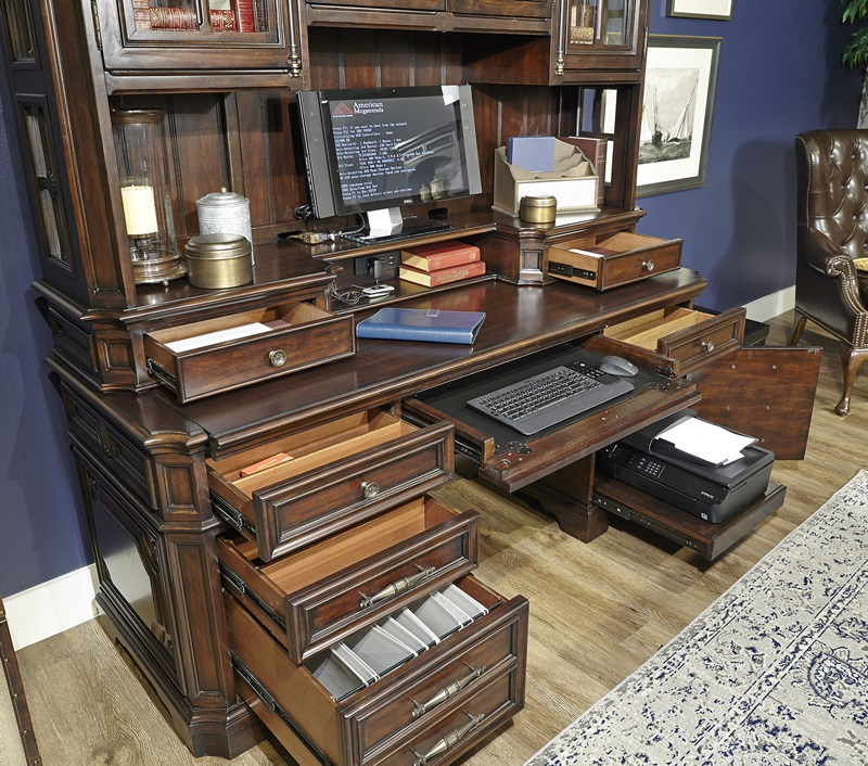 Sheffield Computer Desk with Hutch