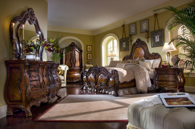 Chateau Beauvais Bedroom Set