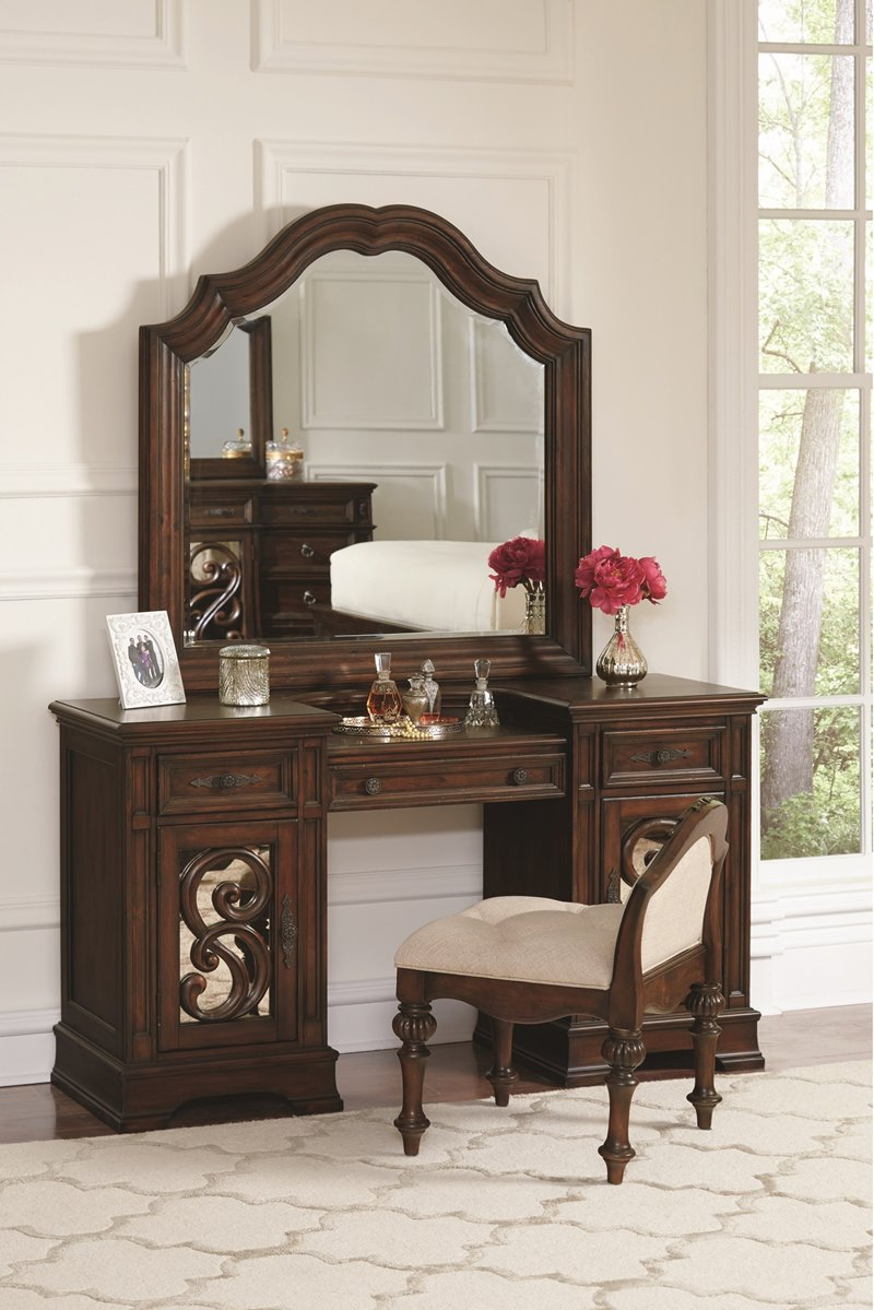 IIana Bedroom Set in Antique Java