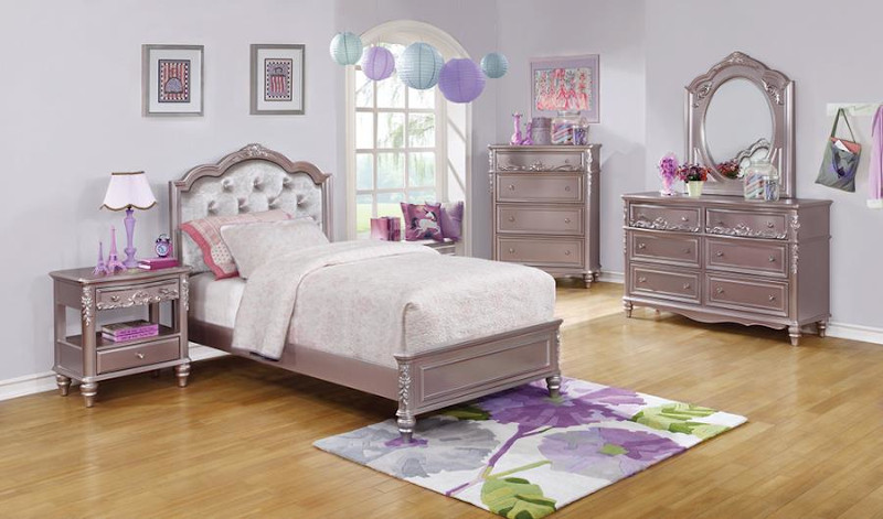 Caroline Youth Bedroom Set in Lilac