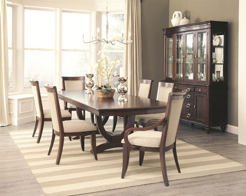 Genial Alyssa Formal Dining Room Set