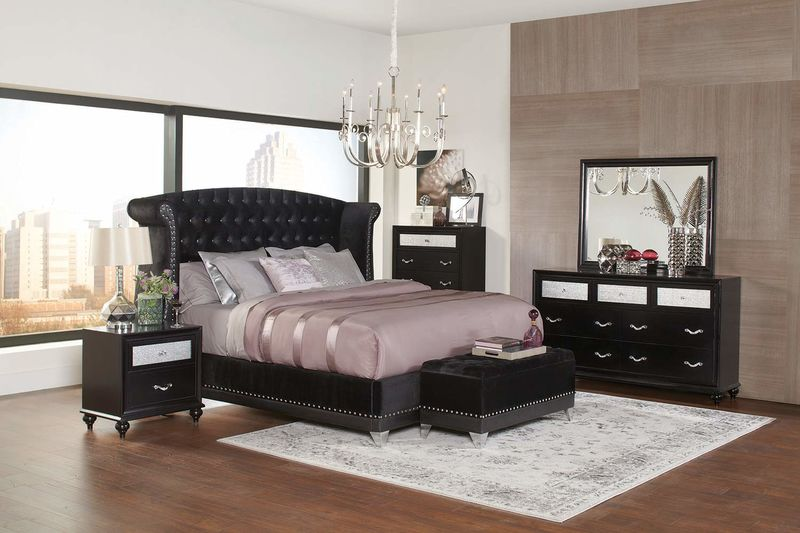 Barzini Bedroom 7-Piece King Set in Black with Bench *Clearance*
