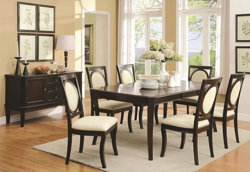 Crest Hill Dining Room Set