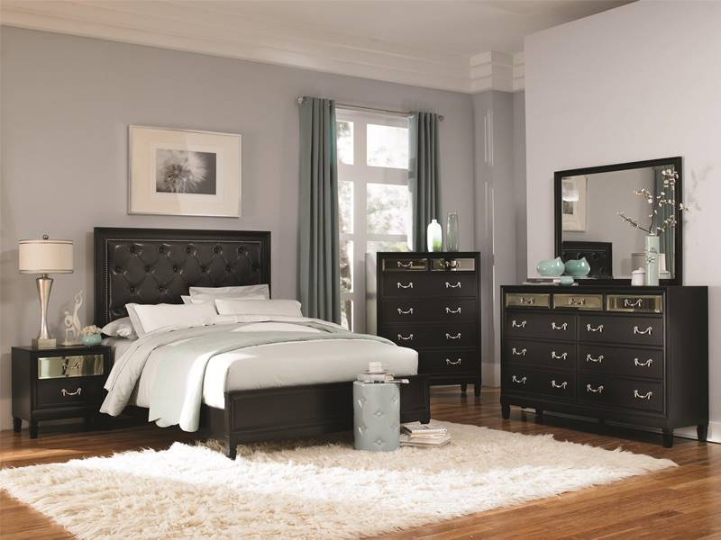 Devine Bedroom Set with Mirror Accents