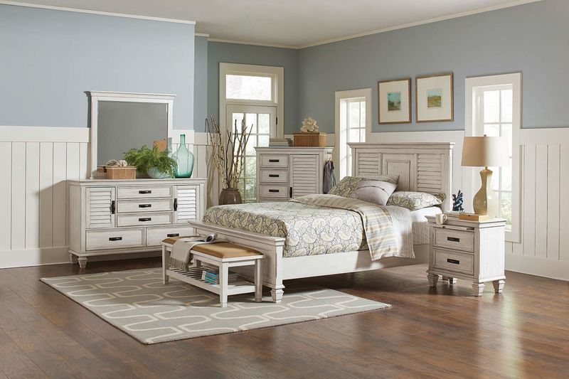 Franco Bedroom Set in Antique White