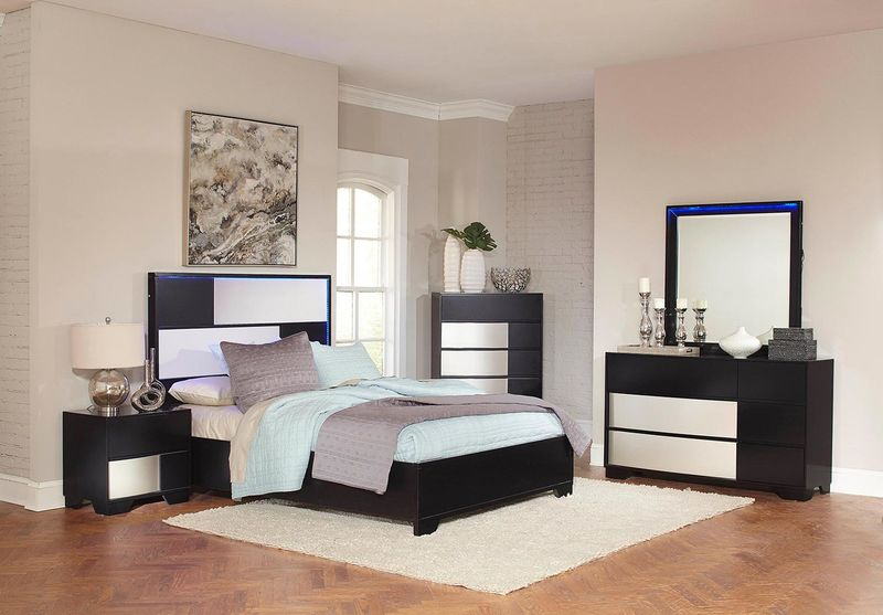 Havering Bedroom Set in Black & Sterling