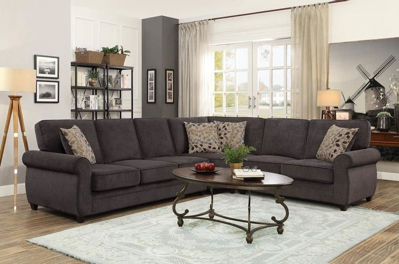 Kendrick Sectional with Sleeper Sofa in Chocolate