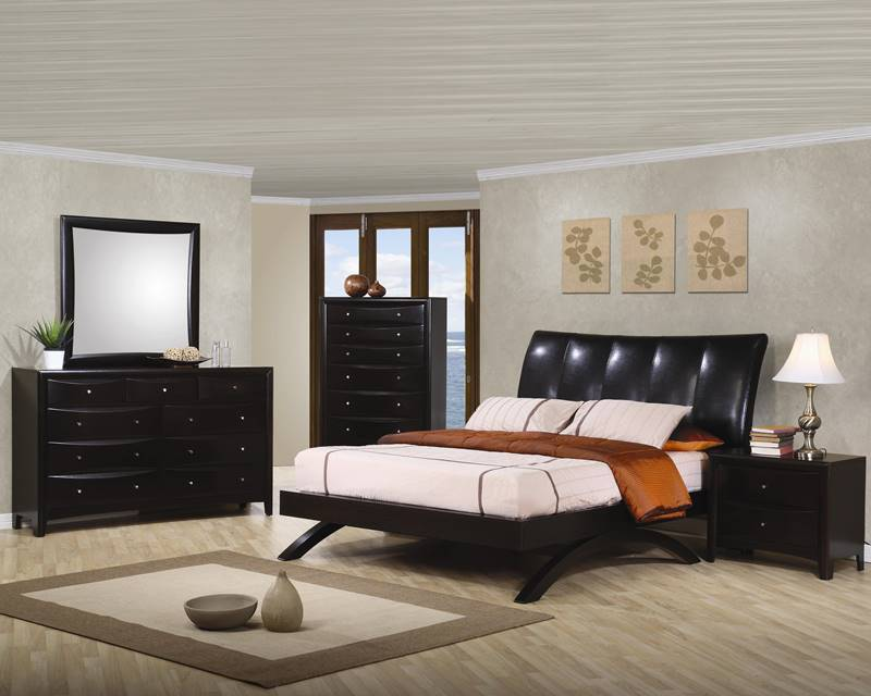 Phoenix Bedroom Set with Sleigh Leatherette Bed