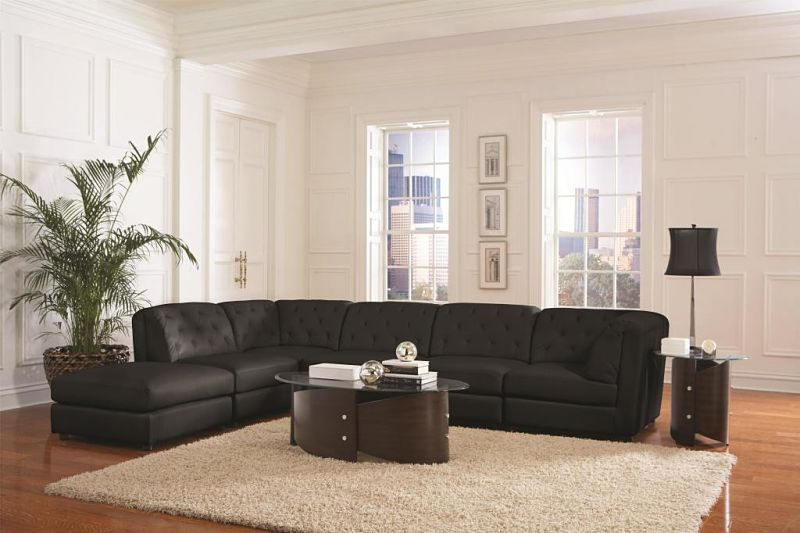 Quinn Leather Sectional in Black