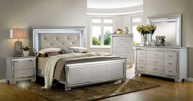 Bellanova Bedroom Set in Silver
