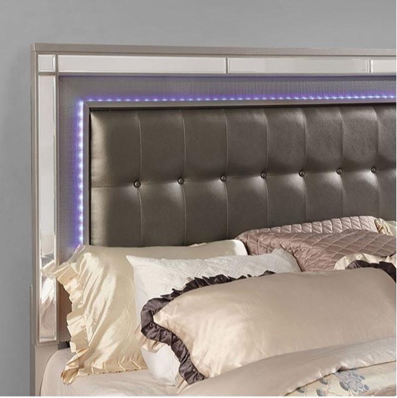 Brachium Bedroom Set in Silver