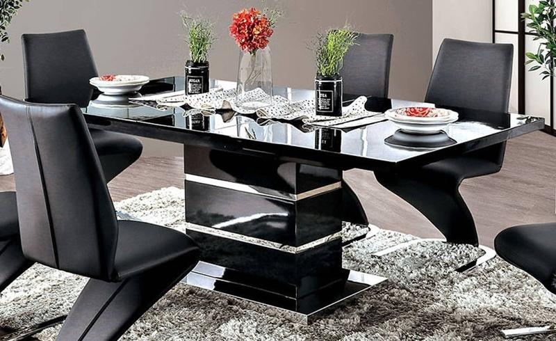 Midvale Dining Room Set in Black