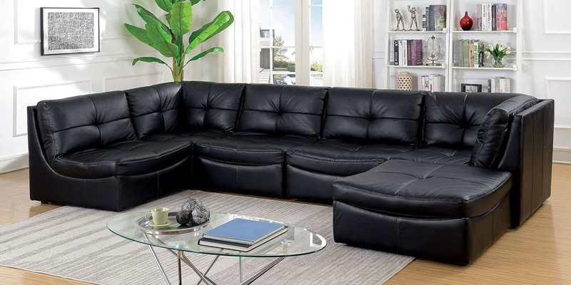 Libbie Sectional Sofa in Black