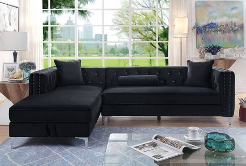 Amie Sectional Sofa in Black