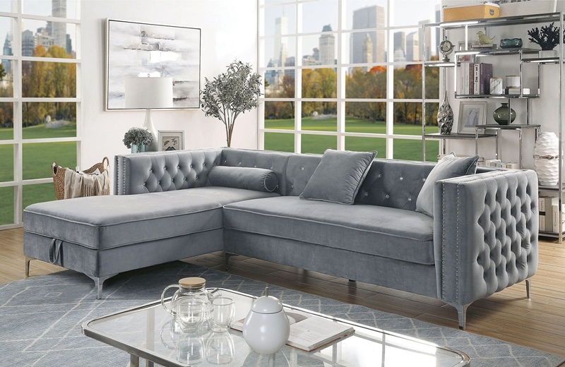 Amie Sectional Sofa in Gray