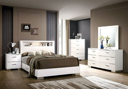 Malte Bedroom Set in White