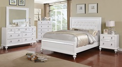 Avior Bedroom Set in White
