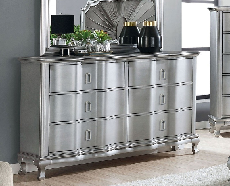Aalock Bedroom Set in Silver/Warm Gray
