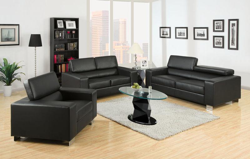 Makri Living Room Set in Black