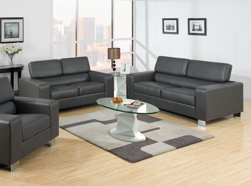 Makri Living Room Set in Gray
