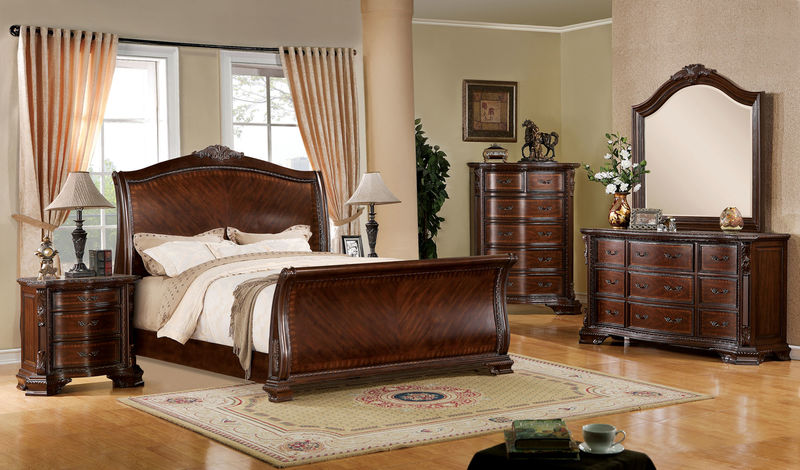 Penbroke Bedroom Set with Sleigh Bed