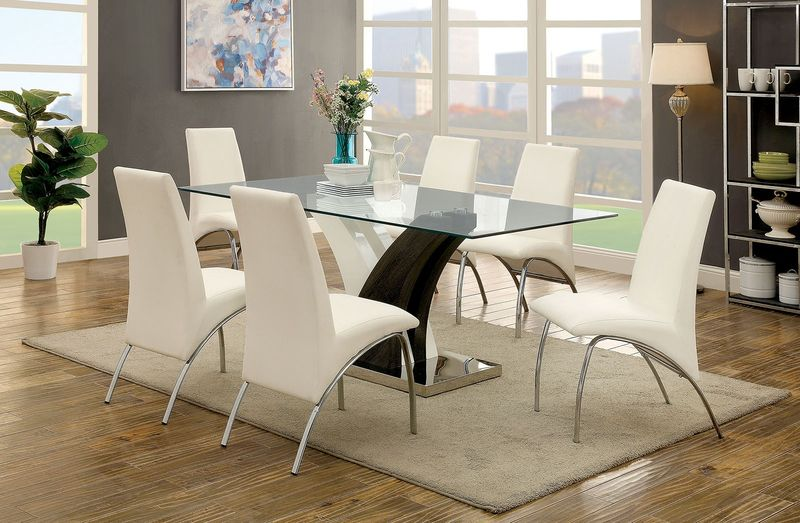 Svana Dining Room Set in White