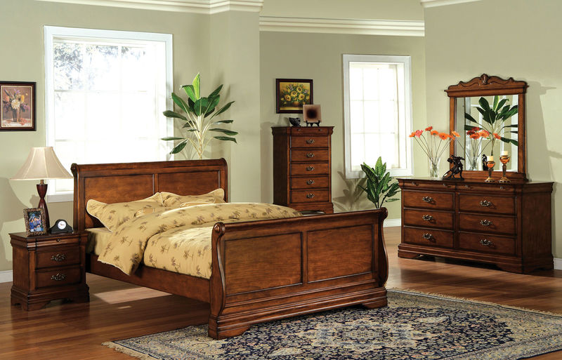 Venice Bedroom Set with Sleigh Bed