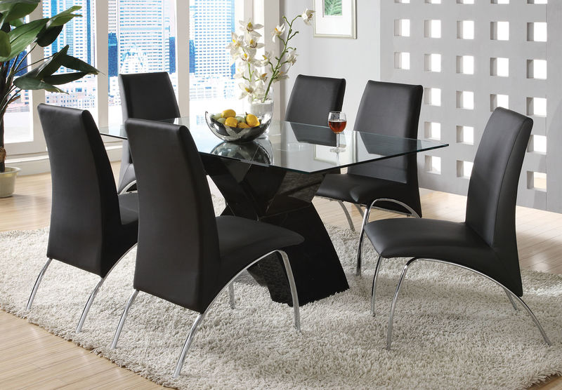 Wailoa Dining Room Set in Black