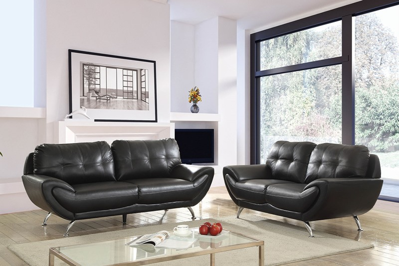 Reanna Living Room Set in Black