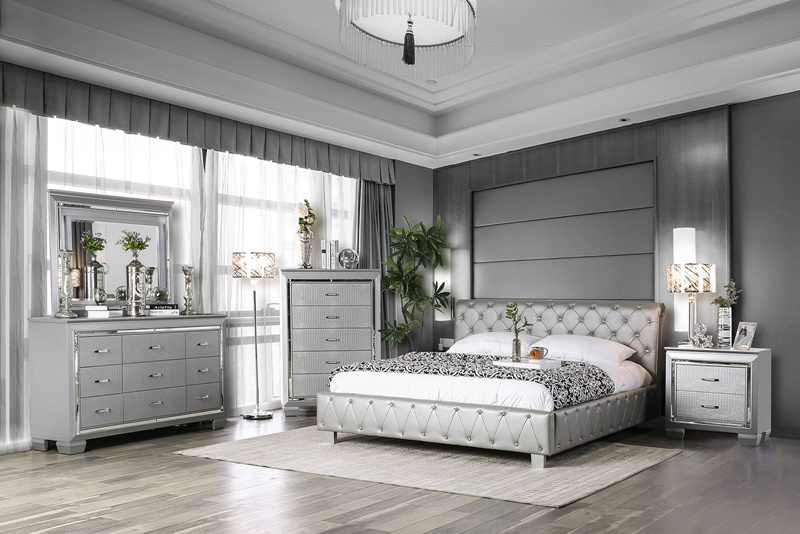Juilliard Bedroom Set in Silver