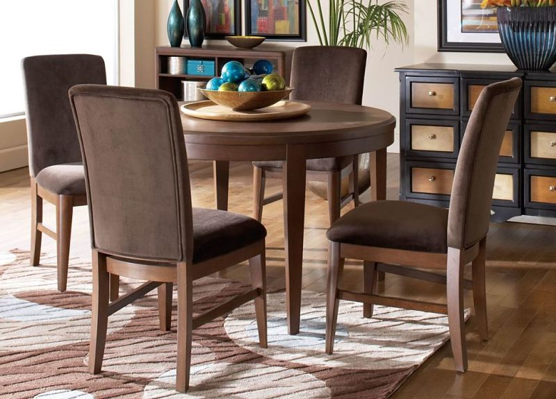 Beaumont Dining Room Set With Round Table