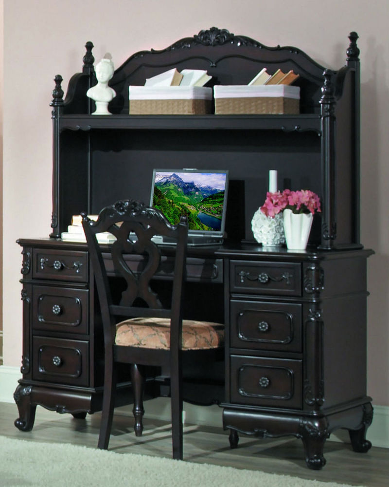 Cinderella Youth Bedroom Set in Cherry