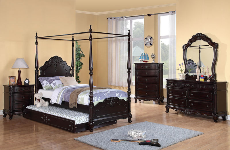Cinderella Youth Bedroom Set with Canopy Bed in Cherry