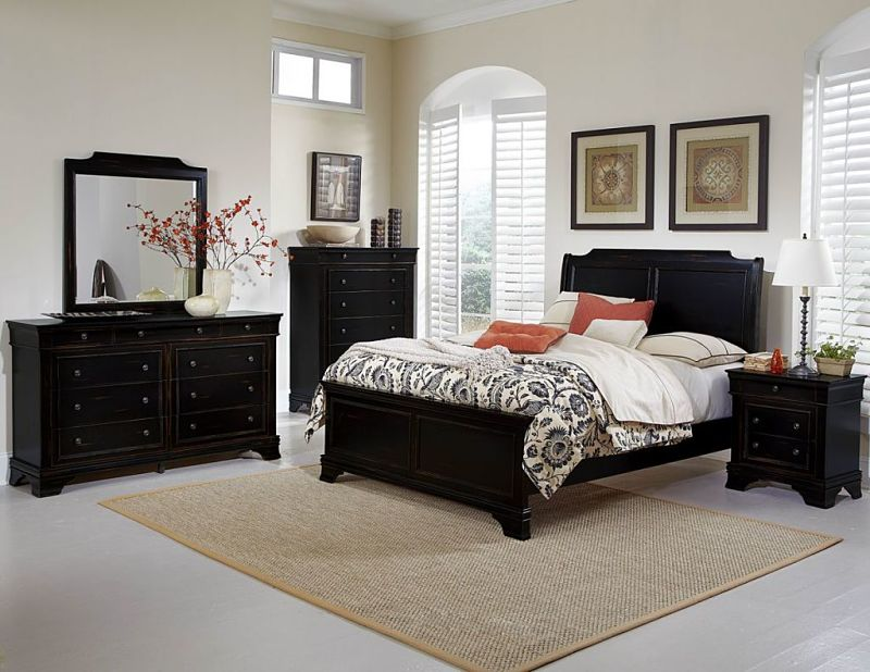 Derby Run Bedroom in Black